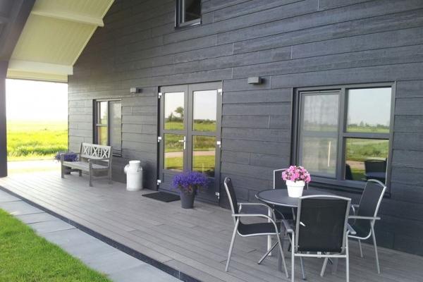 veranda-3BECACA0A-1C25-F5AA-D6DB-1D678375E52A.jpg